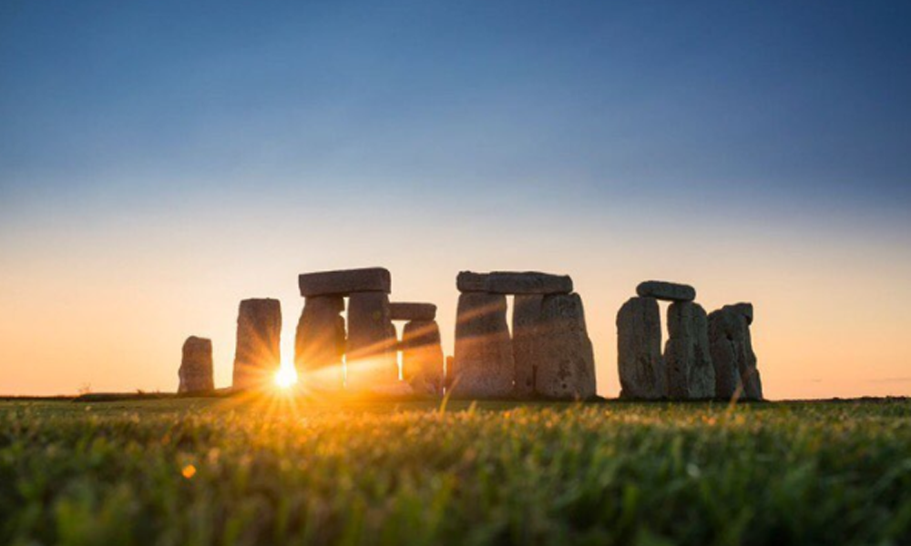 where is the setting of the short story summer solstice